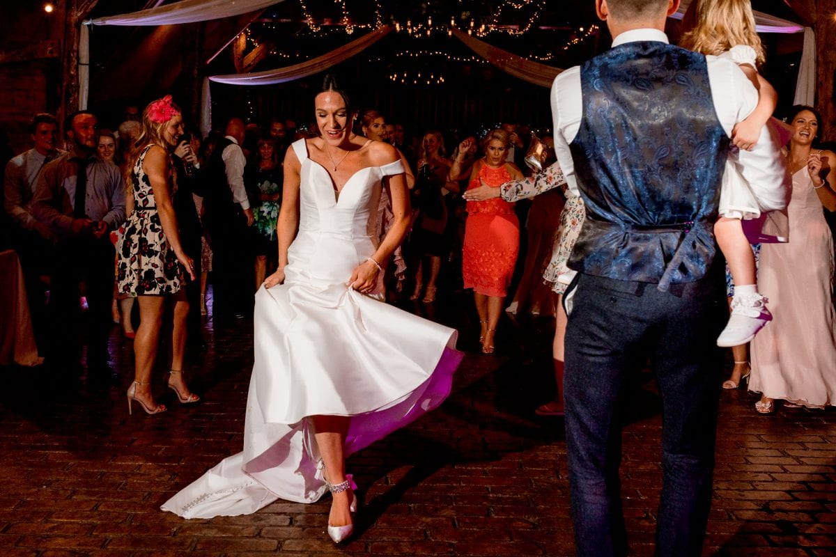 lains barn wedding photography blog oxfordshire bride dancing